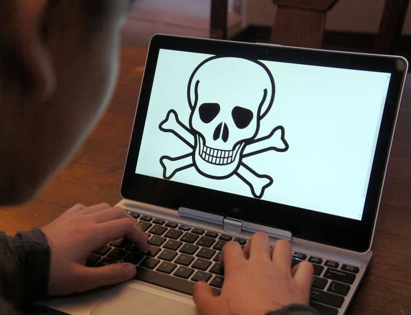 skull on laptop